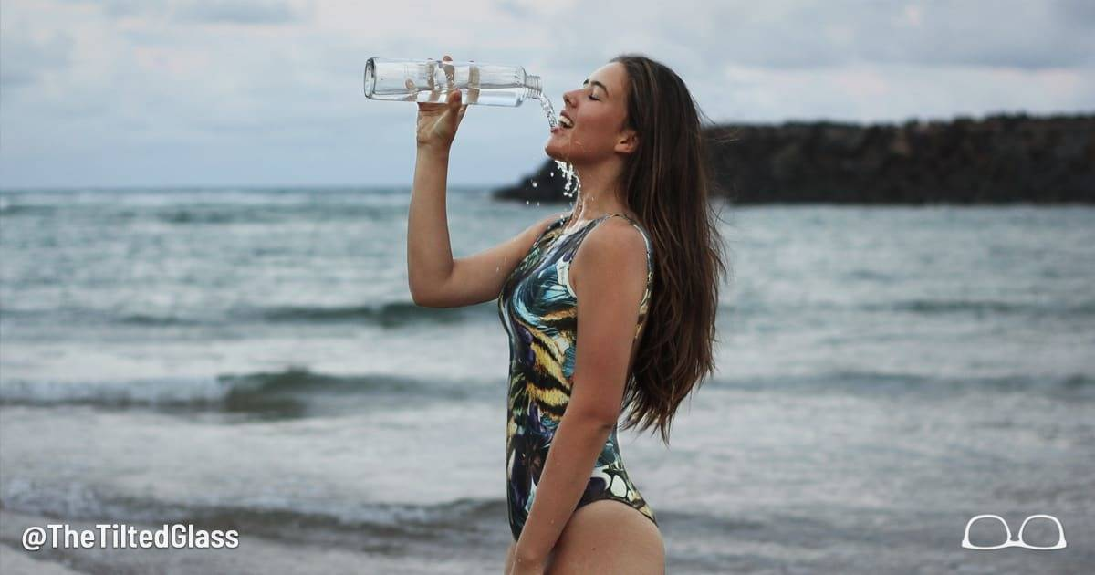 5 Sexy Women Drinking Water To Remind You Of True Thirst